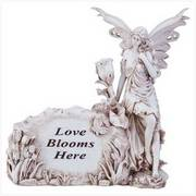'Love Blooms Here' Garden Stone/Garden Decor